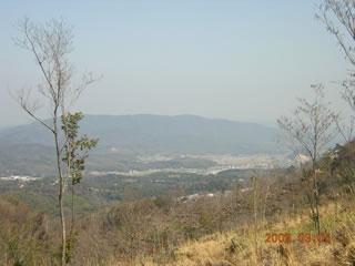 新本峠から北を展望